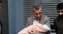 Başkan Çınar'dan Azra bebeğe ilgi