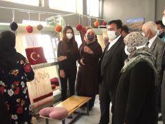 Pütürge'de halı dokuma kursu ile kadınlara