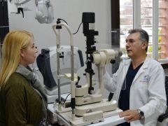 Ünlü Oyuncu Buket Dereoğlu, Gözlerini Dr. Ahmet Metin Başkan'a emanet etti