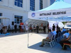 Battalgazi Belediyesi önünde afet eğitim çadırı kuruldu