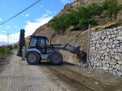 Taş Duvar Çalışmaları Devam Ediyor