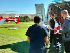 Ambulans helikopter, kalp krizi geçiren hasta için havalandı