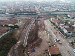 Kocaeli Körfez'de otoyol geçiş köprüsü yapımı sürüyor
